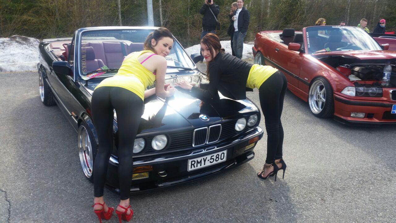 E30 Cabriolet Lowrider.fi osastolla. Kuva (c) Osmis